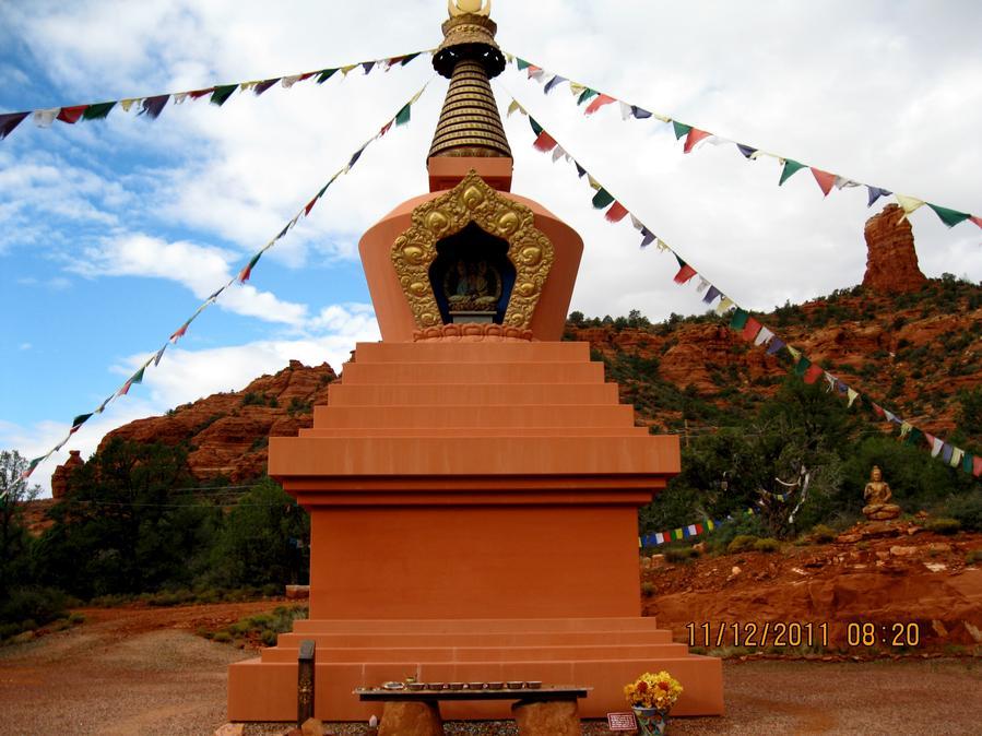 11 - 102681 - Stupa -